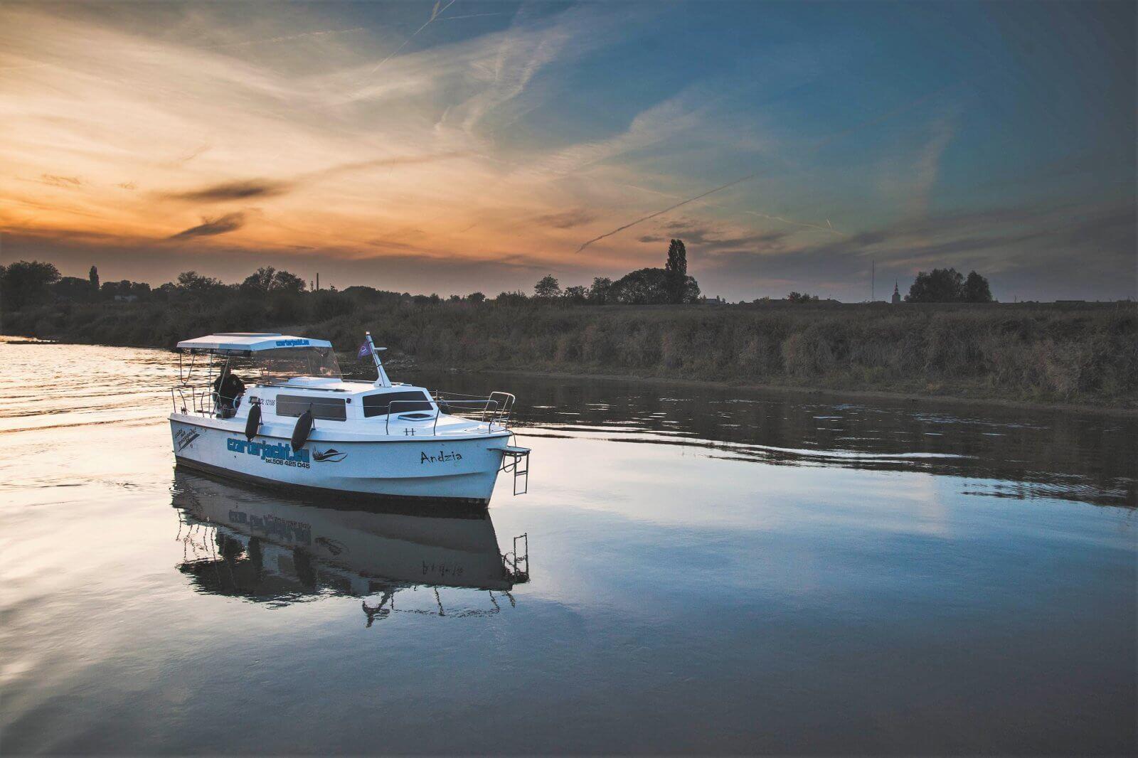 łódź czaterjacht na wielkiej pętli wielkopolski