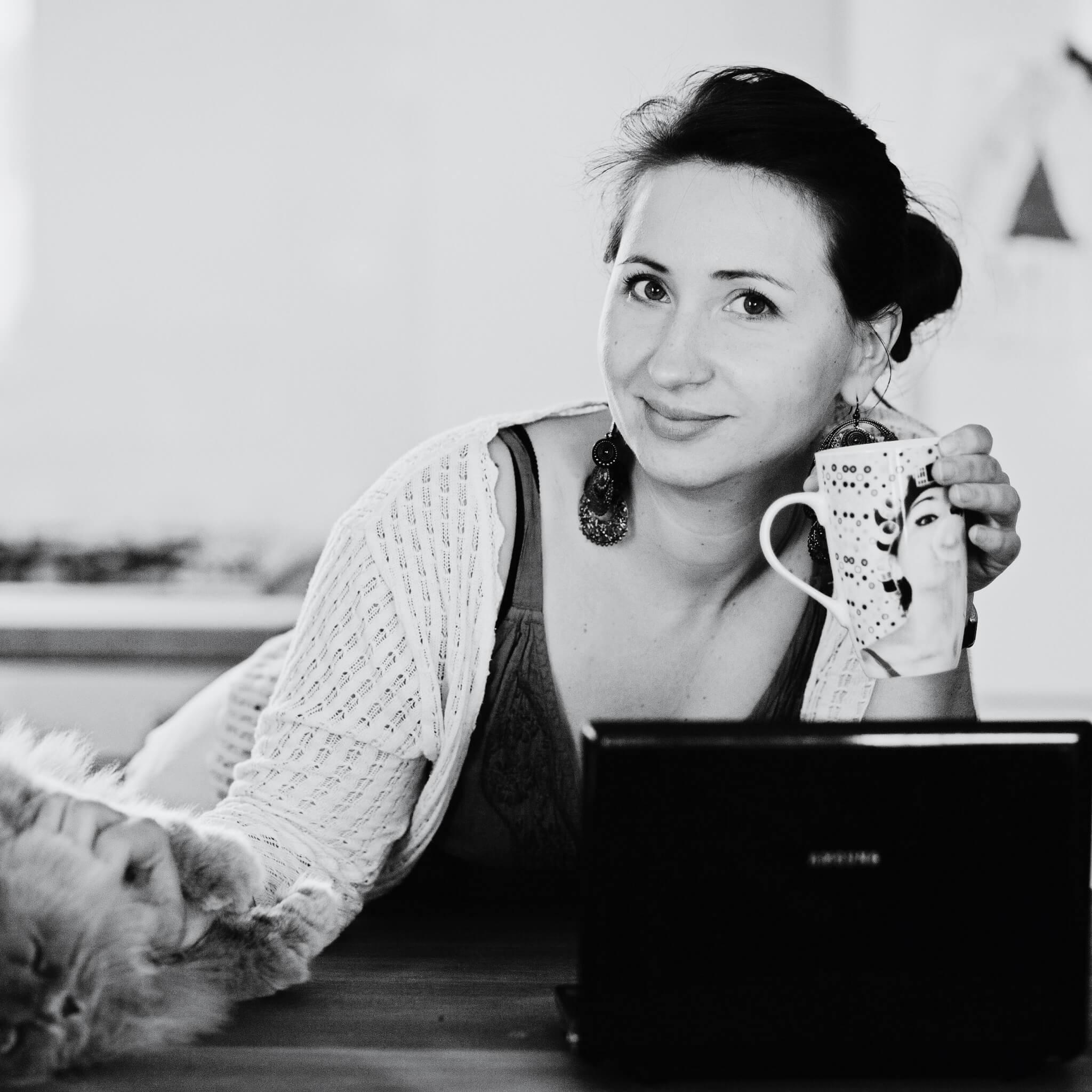 Pomysłodawczyni i współzałożycielka portalu rezerwacyjnego slowhop.com. Od 2017 r. portal zrzesza najbardziej klimatyczne i pomysłowe miejsca noclegowe w Polsce i umożliwia rezerwację wyjazdów z pasją.