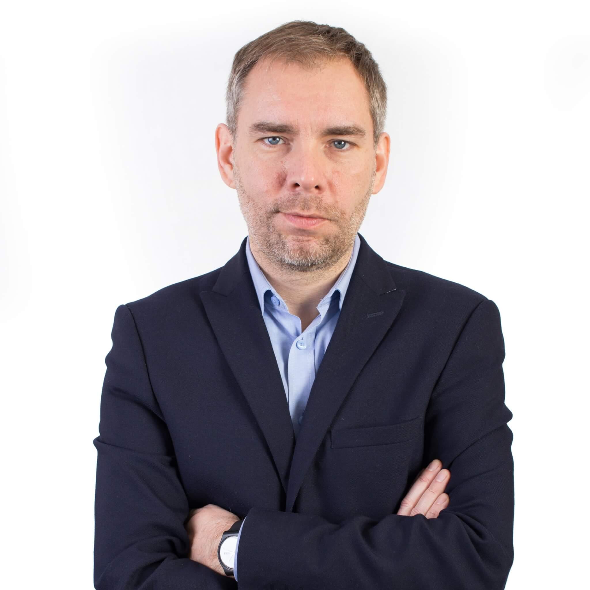 Pracownik Instytutu Gospodarki Międzynarodowej UEP, członek zarządu Wielkopolskiej Organizacji Turystycznej. Zajmuje się organizacją i zarządzaniem turystyką w miastach i regionach oraz współpracą sieciową w turystyce.
